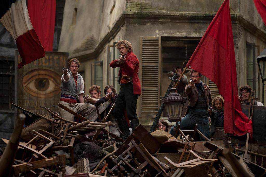 les-mis-barricade